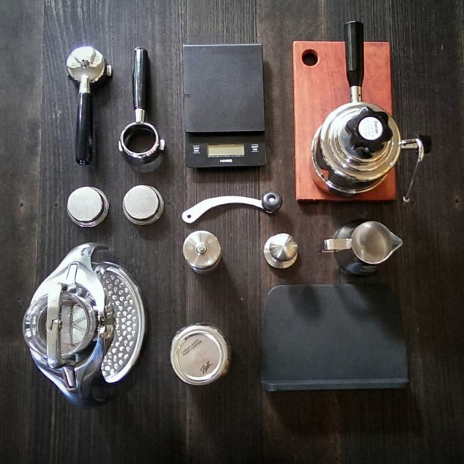 manual coffee brewing and grinding equipment
